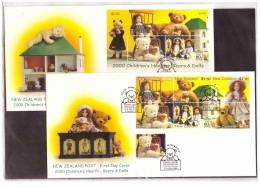 "NZFDC158   -      WANGANUI  5.10.2000   /  FDC    YT Nr. 1801/1806 + BF. 142    ""  BEARS & DOLLS   "" - Dolls"