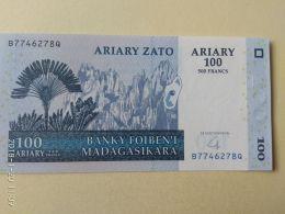 100 Ariary 2004 - Madagaskar