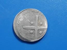 India - CENTER SHIFTED  - ERROR / MISPRINT Coin  - 2005 - 1 RUPEE - Er26 - India
