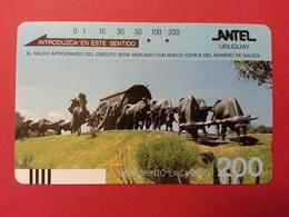 URUGUAY Antel Tamura - 200u Monumento La Carreta With Front Barcode - Used - Uruguay