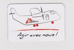 MINI  MAGNET : 6 X4 Cm  /  AVION  (médecins Sans Frontières ) - Transportmiddelen