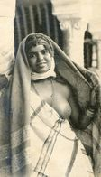 Scenes Et Types - Jeune Femme  Arabe Sein Nu - Postales