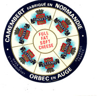 P 888 - ETIQUETTE DE FROMAGE -  CAMEMBERT  P. LANQUETOT ORBEC EN AUGE  6 PORTIONS   (CALVADOS) - Cheese