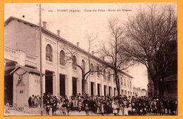 Tiaret - Ecole Des Filles - Sortie Des Classes - Très Animée - Photo Albert - Edit. AGOT - 1932 - Tiaret