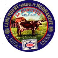 P 905 - ETIQUETTE DE FROMAGE - CAMEMBERT  LA CLOCHETTE  ETS PAILLAUD CREULLY (CALVADOS ) - Cheese