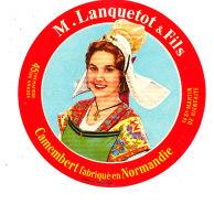 P 927 - ETIQUETTE DE FROMAGE - CAMEMBERT  M. LANQUETOT  ST MARTIN DE BIENFAITE (CALVADOS ) - Cheese