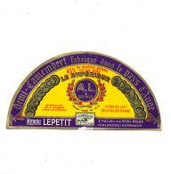 P 930 - ETIQUETTE DE FROMAGE -DEMI- CAMEMBERT  HENRI LEPETIT ST MACLOU  (CALVADOS ) - Cheese