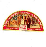 P 935- ETIQUETTE DE FROMAGE -DEMI- CAMEMBERT  ABBAYE D' AUNAY S/ ODON ((CALVADOS) - Cheese