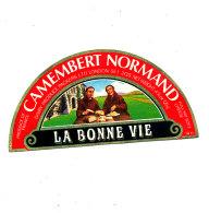 P 936- ETIQUETTE DE FROMAGE -DEMI- CAMEMBERT LA BONNE VIE  14 H.(CALVADOS) - Cheese