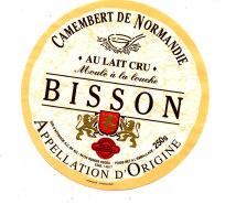 P 940- ETIQUETTE DE FROMAGE -CAMEMBERT  BISSON (CALVADOS) - Cheese