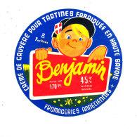 P 945 - ETIQUETTE DE FROMAGE -  CREME DE GRUYERE  BENJAMIN  FAB EN HTE SAVOIE - Cheese
