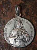 """Pendentif Médaille Religieuse Début XXe """"Sainte Marie / Bienheureux Père De La Colombière"""" Né à Saint-Symphorien-d'Ozon - Religion & Esotérisme"""