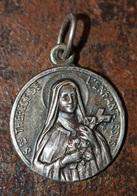 """Pendentif Médaille Religieuse """"Sainte Thérèse De L'Enfant Jésus / Lisieux"""" Religious Medal - Religion & Esotérisme"""