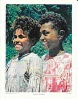 Photo Landry, Pédagogie Pratique 1957 - Nouvelle Calédonie: Enfants Canaques (Kanak), Jeunes Popinées En Robe Mission - Géographie
