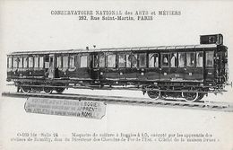 CPA TRAINS.  Maquette De Voiture à Boggies à 1/5, Exécuté Par Les Apprentis  Des Ateliers De Romilly. .B309 - Treni