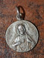 """Pendentif Médaille Religieuse Début XXe """"Jésus Christ / Souvenir De Paray-le-Monial"""" Religious Medal - Religion & Esotérisme"""