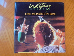 Ancien Disque Vinyle 45 T Whitney Houston One Moment In Time/Kashif 1988 - Soul - R&B