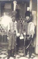 HUSSARDS   CARTE PHOTO LINDSTEDT AND ZIMMERMANN COBLENS AM RHINE FEVRIER 1921 - Guerre, Militaire