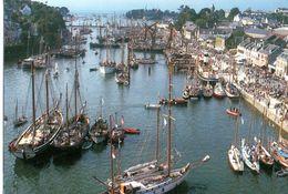 Douarnenez Le Bassin A Flot Du Port Rhu Lors Des Festivités 1993 CPM Ou CPSM - Douarnenez