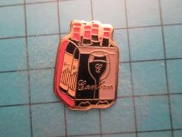Pin512g2 Pin's Pins : Rare Et Belle Qualité :  VIN ROUGE PACK DE 4 BOUTEILLES DE CAMBRAS   , Marquage Au Dos : - ----  - - Beverages
