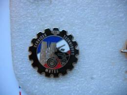 Pin's BALLARD Des Services Techniques Des Motos De La Police - Police