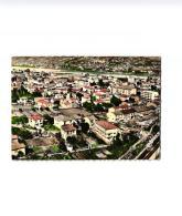 EN AVION AU DESSUS DE SAINT LAURENT DU VAR ,VUE GENERALE ,COULEUR A VOIR !!! REF 54907 - Saint-Laurent-du-Var