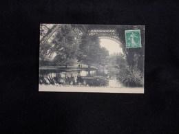 Paris .Les Jardins Sous La Tour Eiffel , Le Lac  ( Vue Artistique ) Voir 2 Scans . - Tour Eiffel