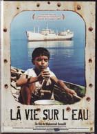 DVD LA VIE SUR L EAU De Mohammad Rasoulo Etat: TTB Port 110 Gr Ou 30gr - DVDs