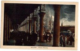 MILANO - PIAZZA DUOMO - - MOLTO ANIMATA NOTTURNA  - TRAM -  VG 1924 FP- C505 - Milano