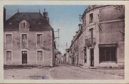 CPSM Usson-du-Poitou ( 86350 ) La Grand' Rue - Carte Colorisée & Pharmacie En 1950 - Frankreich