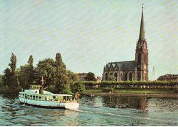 FRANKFURT Am Main / Maininsel Mit Dreikönigskirche Und Kleinem Ausflugsschiff GOETHE - Dampfer