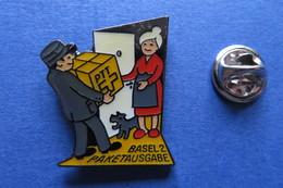 Pin's, PTT, BASEL 2 Paketausgabe, Chien, La Poste Suisse - Badges