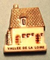 """Fève Série """"Les Rois Du Logis 3"""" Prime 2000 - Vallée De La Loire - Regions"""