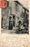 CPA NEUVIC ENTIER. Vieilles Maisons, Famille.enfants. 1908. - France