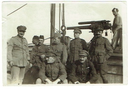 Foto/Photo; Militaria. Alerte Contre Sous-Marin. Steamer Melbourne. Militaires Et Mitrailleuse. 1918. Texte Au Dos. - Barche