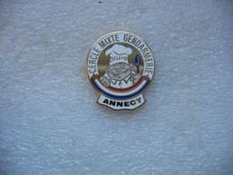 Pin's Du Cercle Mixte De La Gendarmerie De La Ville D'ANNECY - Police