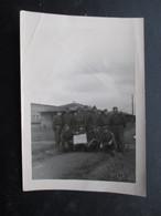 PHOTO MILITARIA  (M1801) GROUPE DE MILITAIRE (1 Vue) Ecrit Sur Le Panneau ODM De La 17 9MT - Guerra, Militari