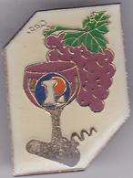 Pin's Avec Son Attache (voir Photo) N°211 LECLERC - Badges