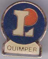 Pin's Avec Son Attache (voir Photo) N°220 Leclerc Quimper - Badges
