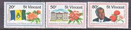 ST. VINCENT  569-71    **    FLAG  FLOWERS - St.Vincent (...-1979)