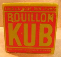 BOUGIE BOUILLON CUBE 105 MM X 105 MM X 105 MM POIDS 1082 GRAMMES - Otros
