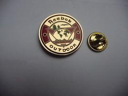 Beau Pin's , Marque Reebok Outdoor , Mode , Vétement , Chaussure - Trademarks
