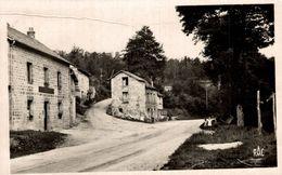 LA CELLE ENTREE DU BOURG - Autres Communes