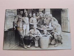 Soldiers / Soldaten / Soldat ( Te Identificeren - 14 Op Muts ) Anno 19?? ( Zie Foto Voor Detail ) ! - Guerre, Militaire