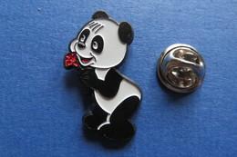 Pin's, PANDA, Avec Fleur - Animals