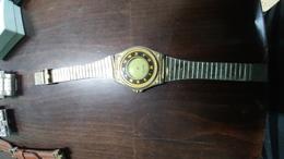 China-maxim-a Wrist Watch-an Elegant Next Door-quartz(50)-used Good Payler - Jewels & Clocks