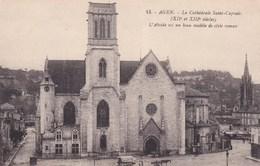 Agen La Cathedrale Saint Caprais Voiture A Cheval - Agen