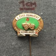 Badge (Pin) ZN006425 - Tractor (Traktor) Hungary Machine Station Gépallomás (Gepallomas) - Badges