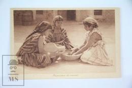 Old Postcard Morocco - Young Women Preparing Couscous - Unposted - Marruecos