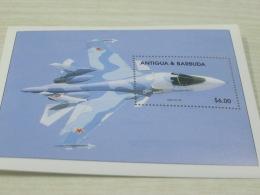 Antigua Barbuda Chinese Airplane - Antigua And Barbuda (1981-...)